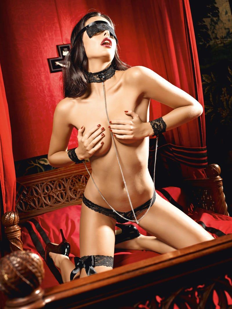 Эротические костюмы онлайн 22 фотография